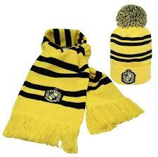 Harry Potter - Hufflepuff Beanie and Scarf Set